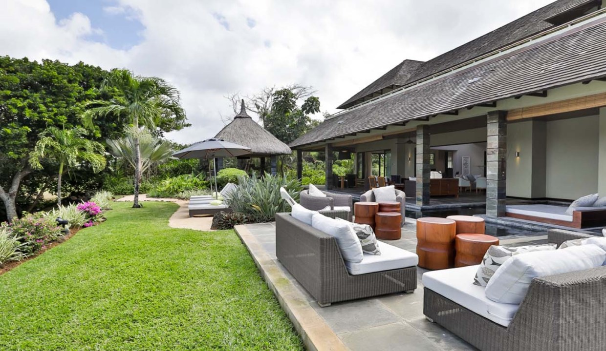 FOUR SEASONS PRIVATE RESIDENCES AND LUXURY VILLAS