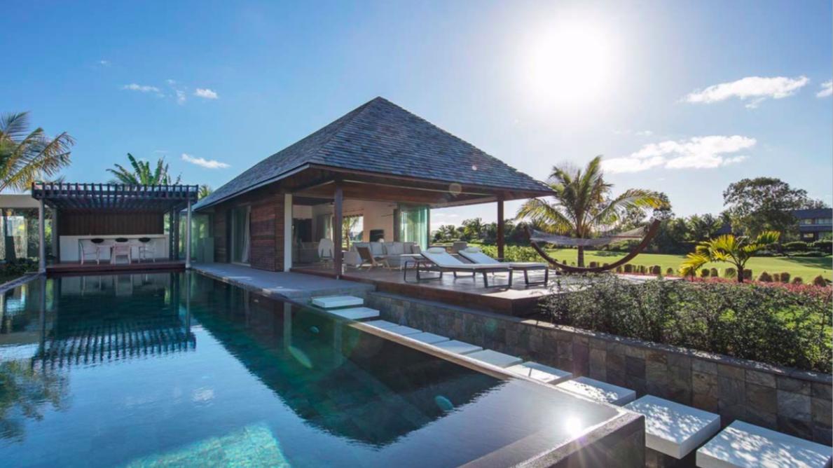 Villa contemporaine entièrement meublée avec cinq chambres à coucher