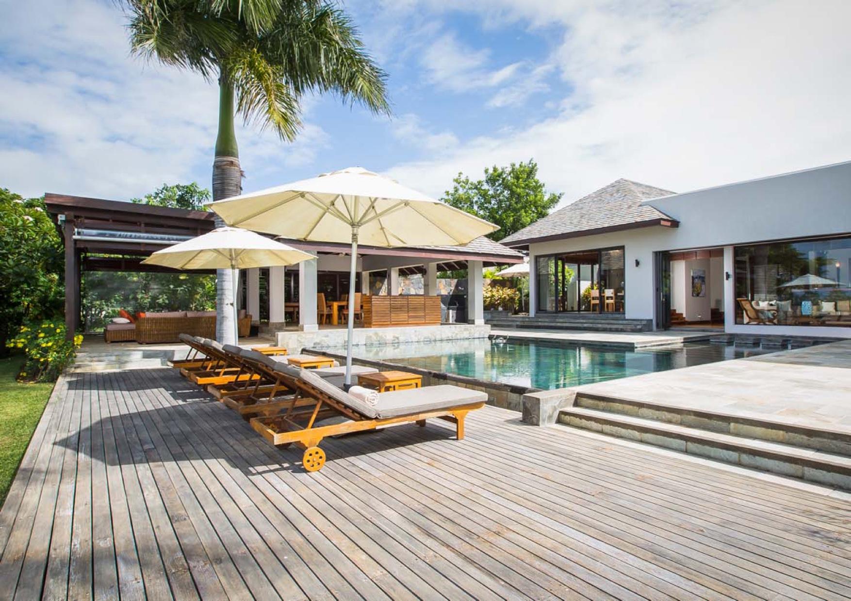 Villa moderne dans un cadre prestigieux terrain 2161 m2
