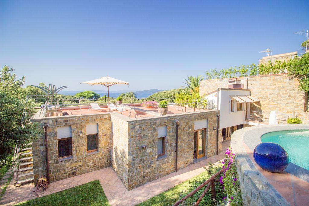 Villa située dans l'un des plus beaux quartiers de Punta Ala, Toscane