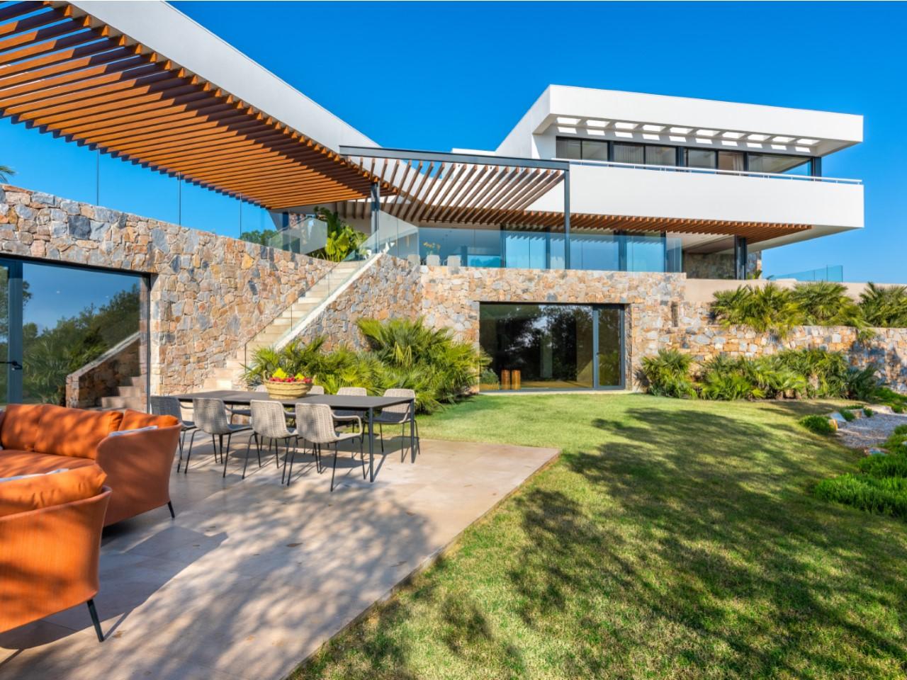 villa exclusive située dans l'un des meilleurs quartiers de la Costa Blanca