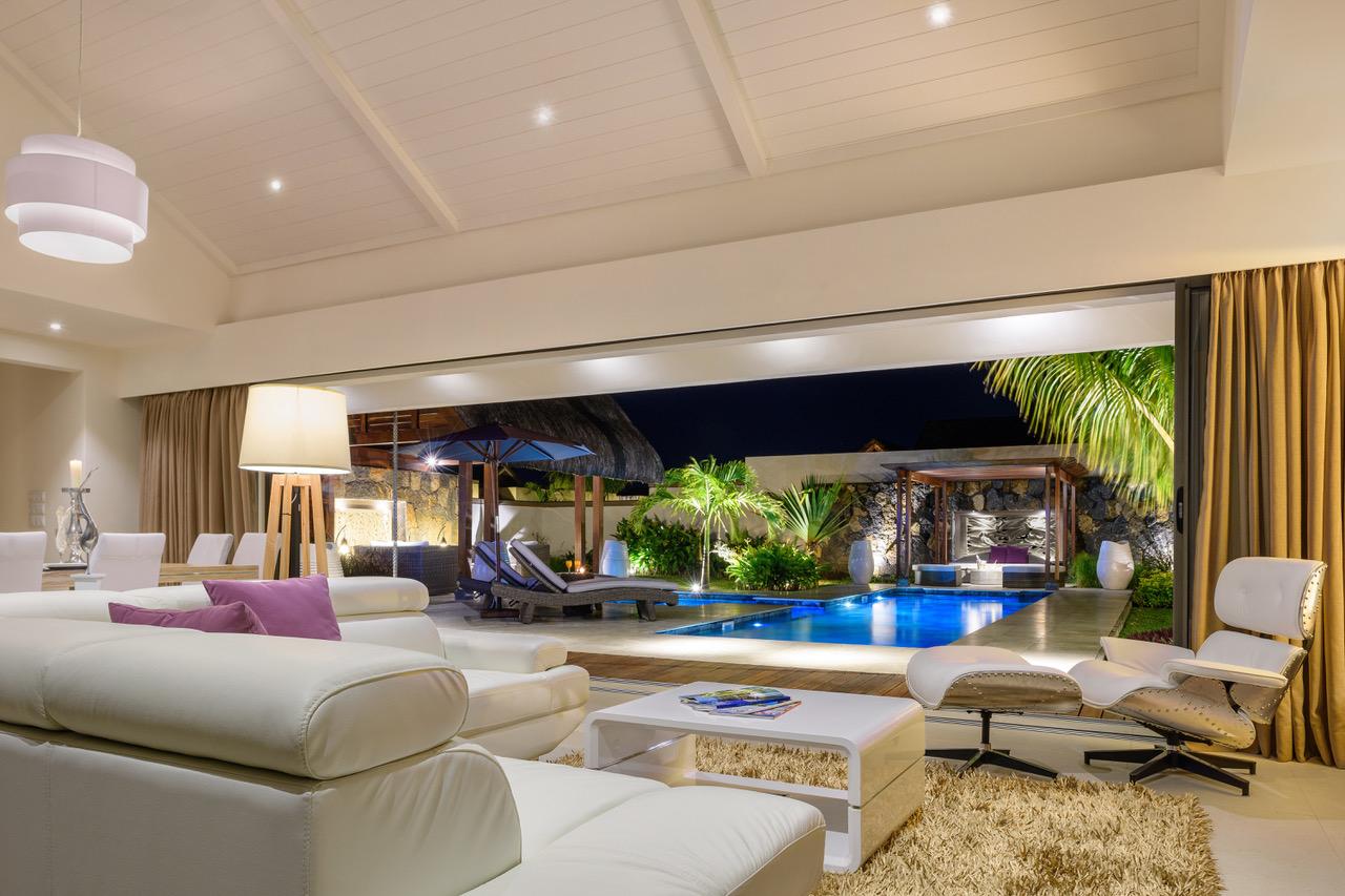 Villa à vendre de 3 chambres à coucher – 300 m² avec jardin privé