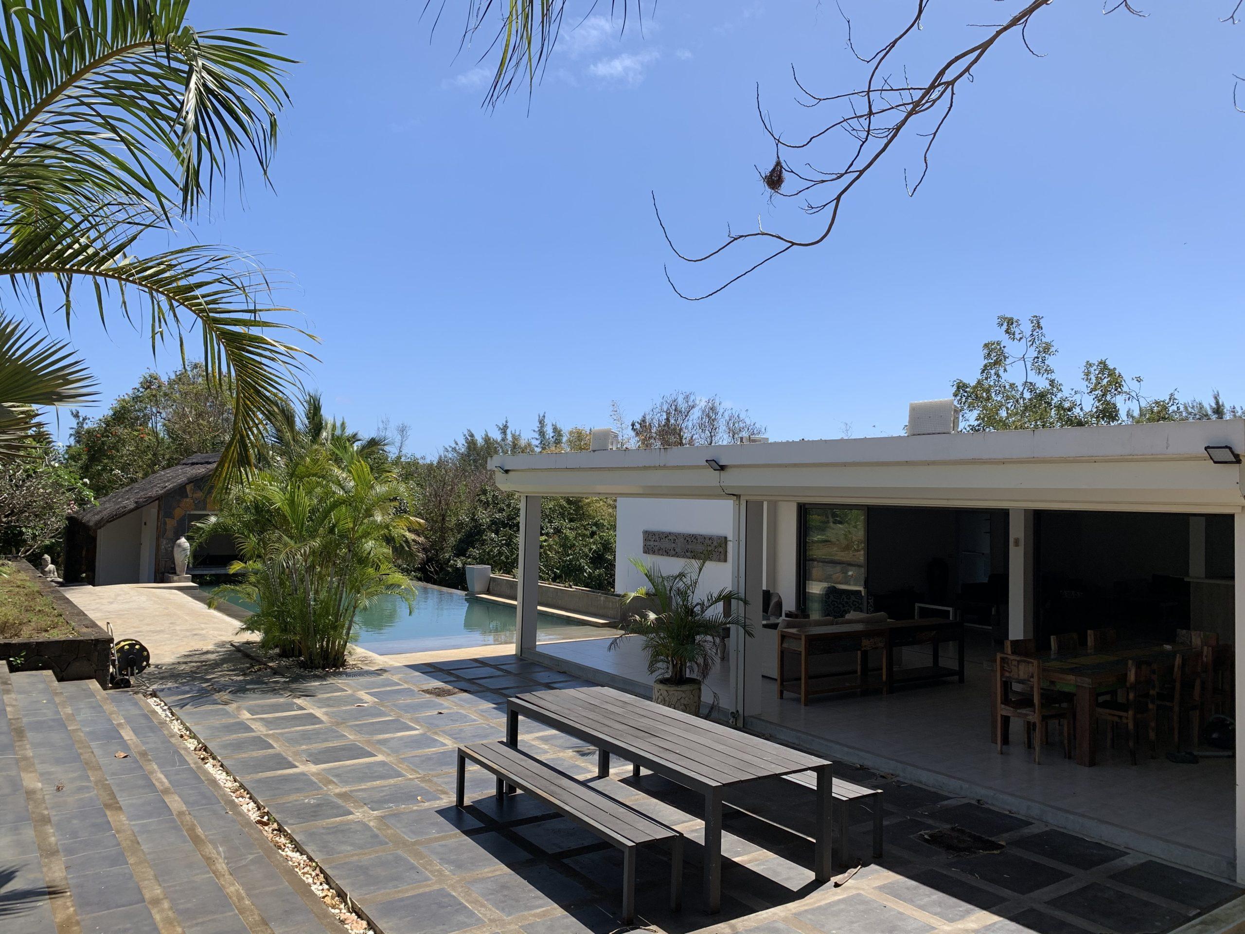 Villa contemporaine 700m² Piscine Jardin Plante Tropical à Cap Malheureux